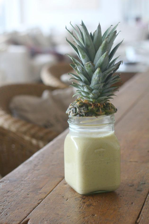 Koko päivän smoothie ananaksesta