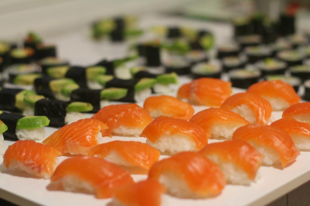 Sushi-illassa luovaa yhdessäoloa ja ihania herkkuja