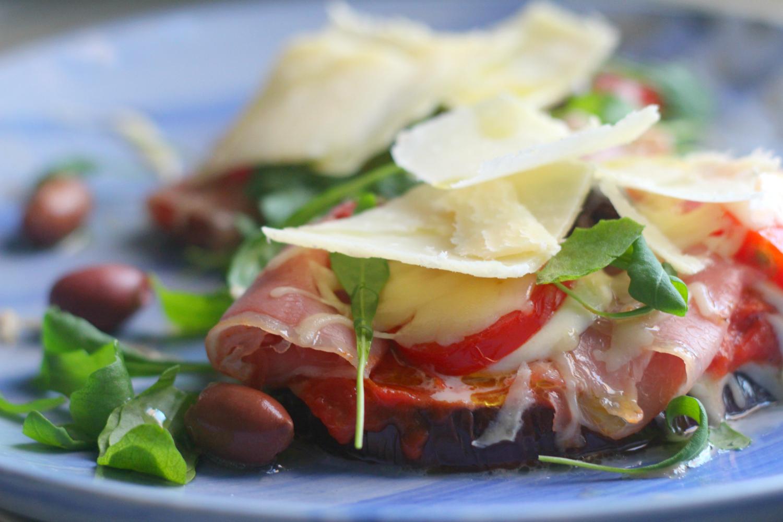 Viljaton munakoisopizza italialaisilla täytteillä
