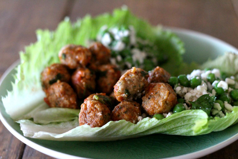 Chorizo-lihapullat ja herne-raejuustolisuke