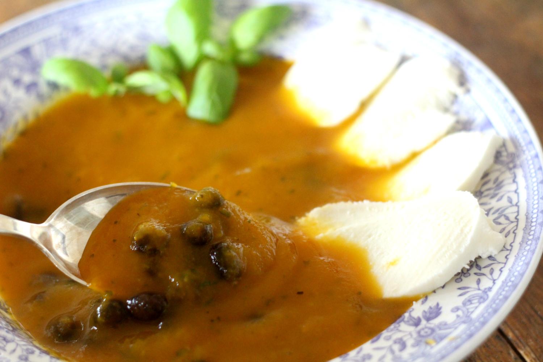 Flunssan taltuttava keitto kolmesta aineesta