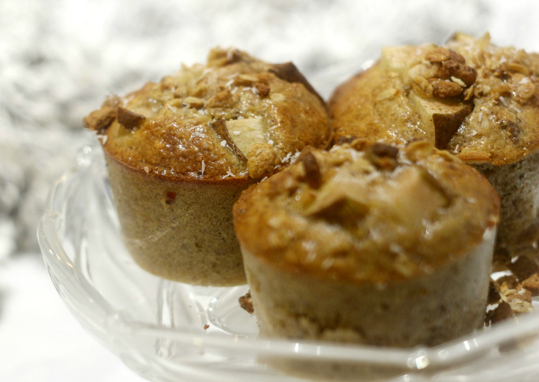 Päärynä - granola muffinssit aamiais- tai välipalapöytään