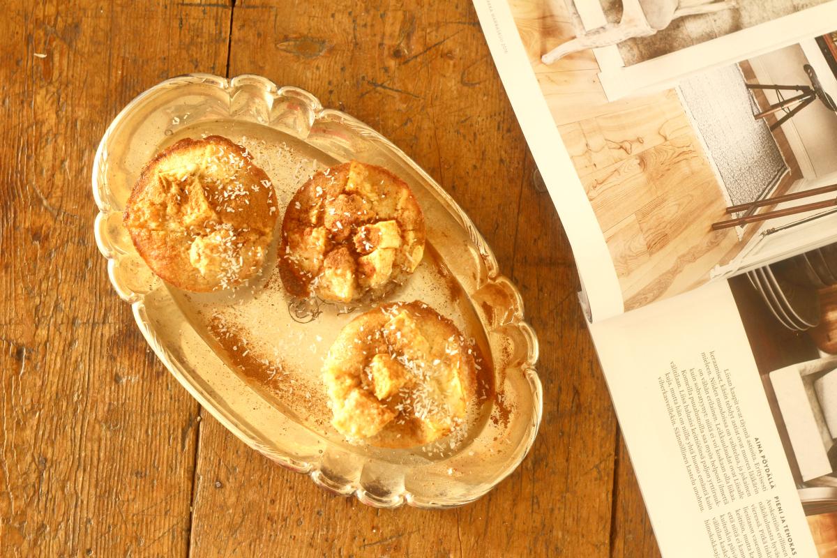 Viljattomat ja ihanan mehevät omena-hasselpähkinämuffinssit