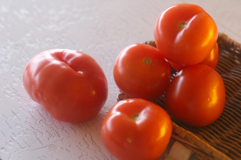 Toisenlaiset tomaatit auttavat huulihalkioihin