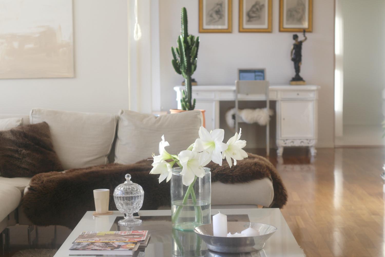 Koti-inspiraationa valkoiset kukat