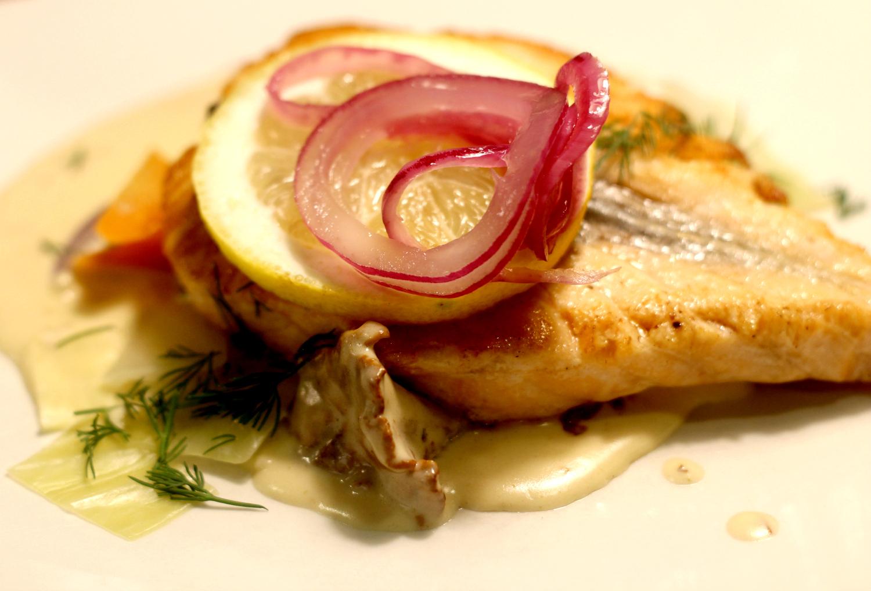 Helppo sitruunainen valkokastike kalalle