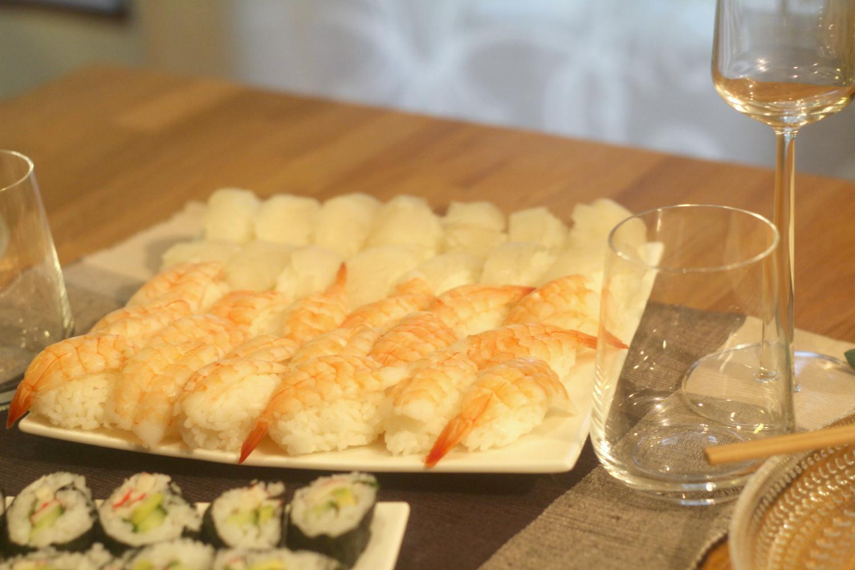 Kuohuviinisuositus sushi-illalliselle