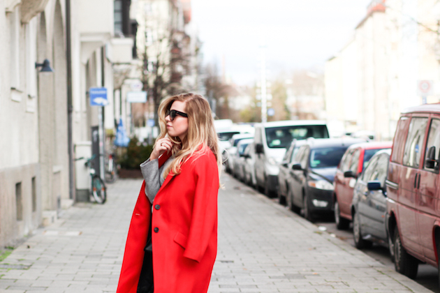 zara punainen takki