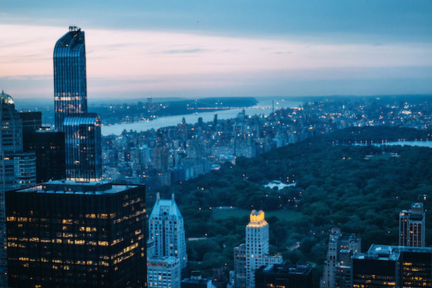 New-York-top-of-the-rock-view-night-park
