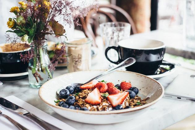 dudleys-new-york-granola-breakfast