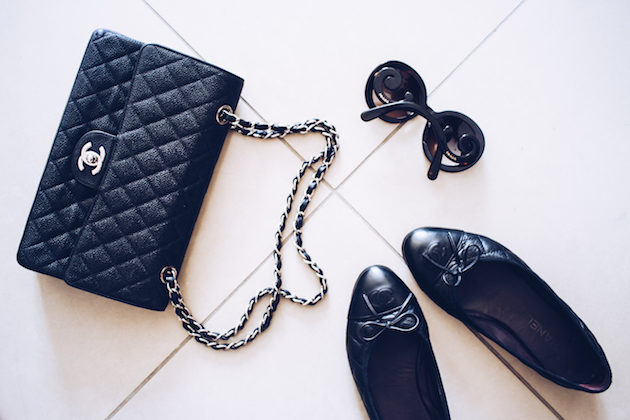 Chanel laukku, Chanel ballerinat, Prada Baroque aurinkolasit