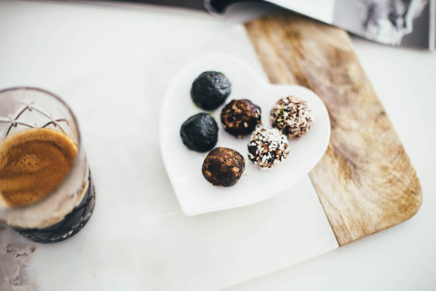 Raw cacao chocolate truffles