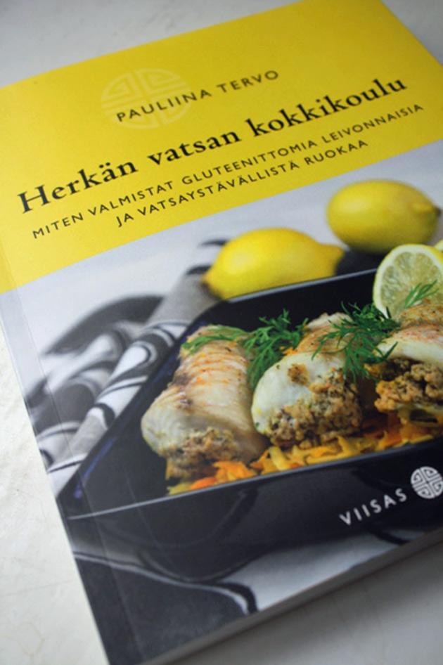 Herkän vatsan kokkikoulu -kirjan kansi