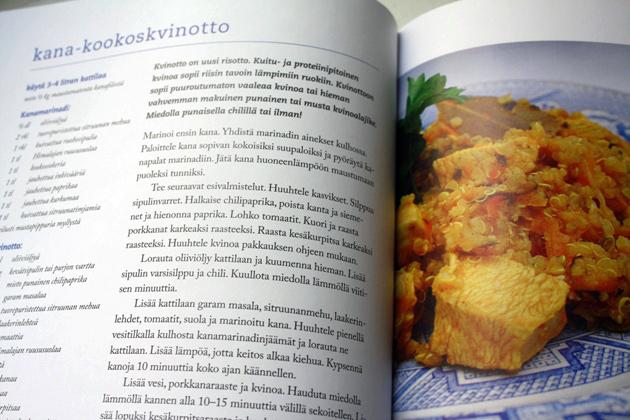 Herkän vatsan kokkikoulu -kirjan sisäsivuja