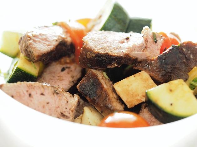 Salaatti grillatusta lihasta