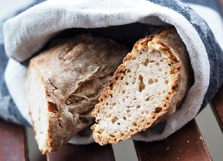 haspanjuureen leivottu patonki