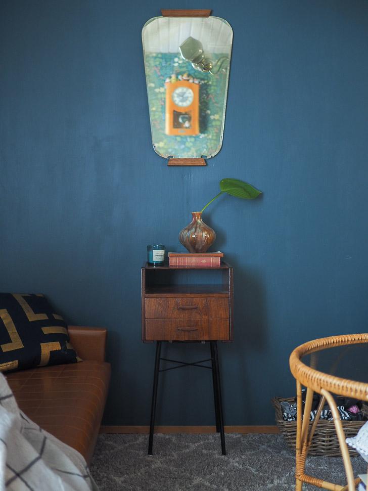 sininen seinä
