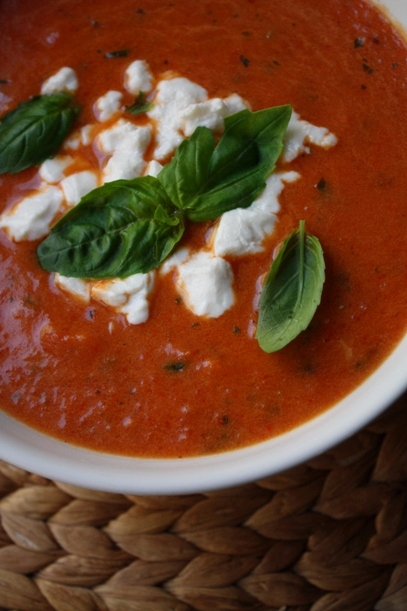 Munakoiso-tomaattikeitto
