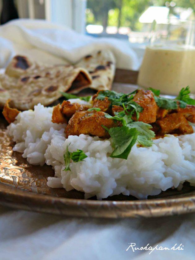 Ruokapankki: Butter chicken, naan-leipä ja mangolassi