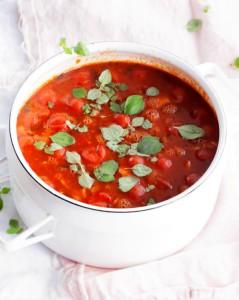 tomaattinen karitsanjauhelihakeitto