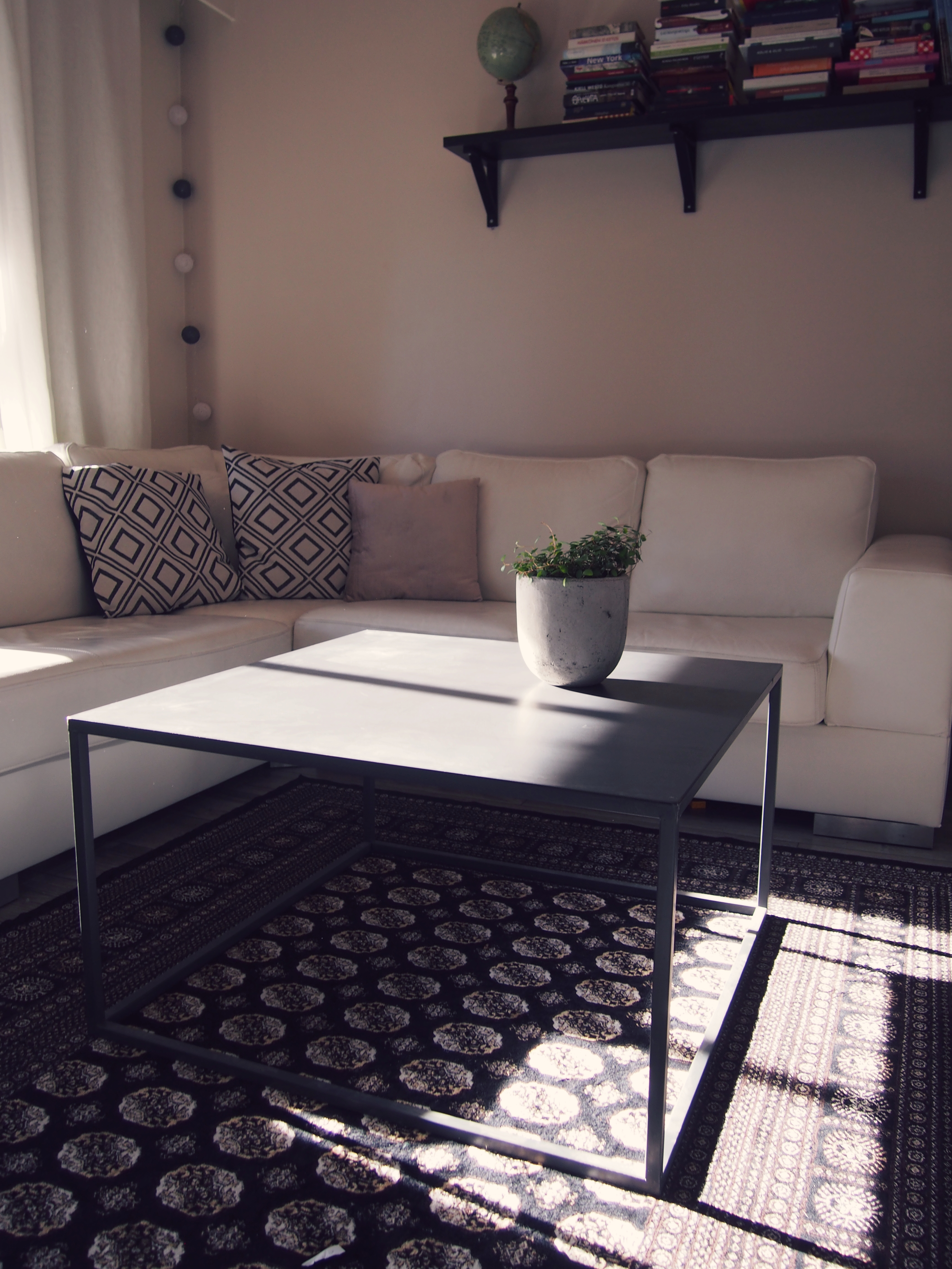 Riviera maison sivupöytä