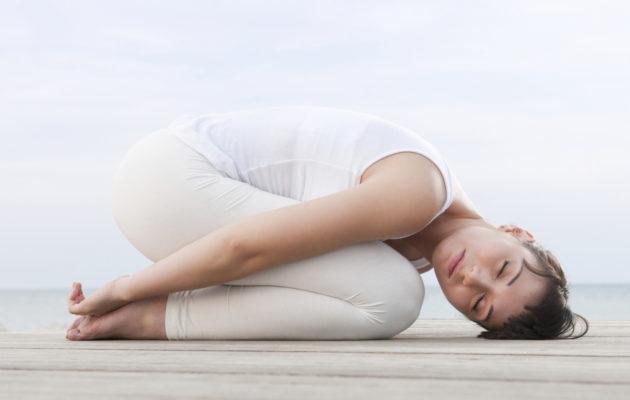 Jooga huoltaa kipeää selkää hellästi mutta tehokkaasti.