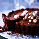 Kokosimme seitsemän hurmaavinta suklaaherkkua, joilla taltutat kovimmankin suklaanhimon.