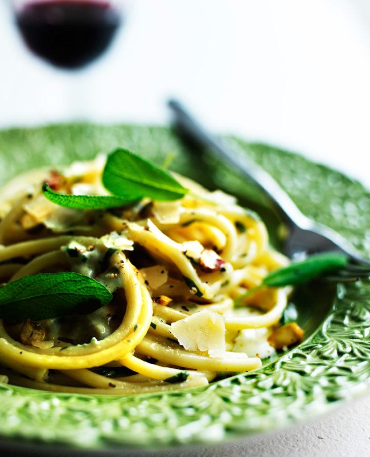 Sinihomejuustopasta - pastaa gorgonzola-kastikkeessa