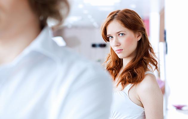 Pettääkö mieheni? Tunnista nykyaikaiset pettämisen merkit