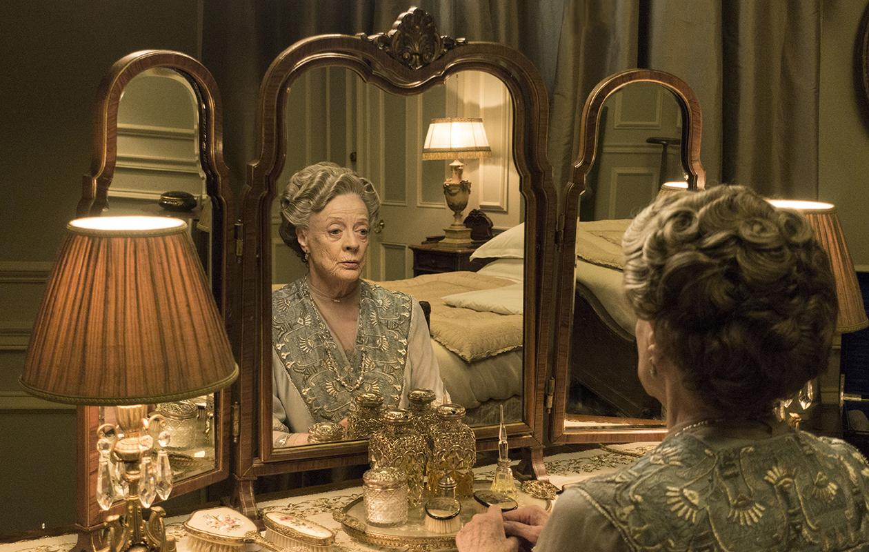 Downton Abbey -sarjan suosikkihahmo Lady Violetin parhaat sutkautukset