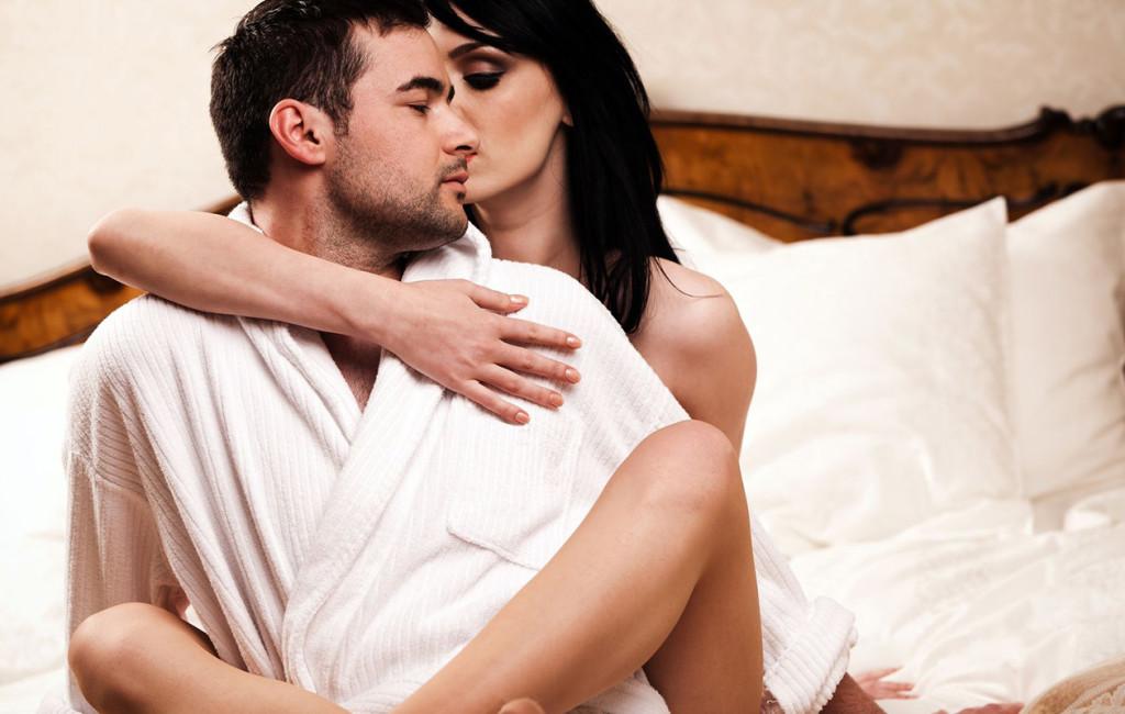 kiihottava nainen suomalaisten julkkisten alastonkuvat