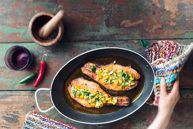 Kalan grillaaminen – Cape maley -lohi ja mango-avokadosalsa
