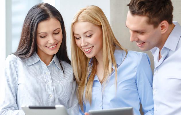 Tiedätkö, mitä muut töissä ajattelevat sinusta? – 8 askelta hyväksi työkaveriksi