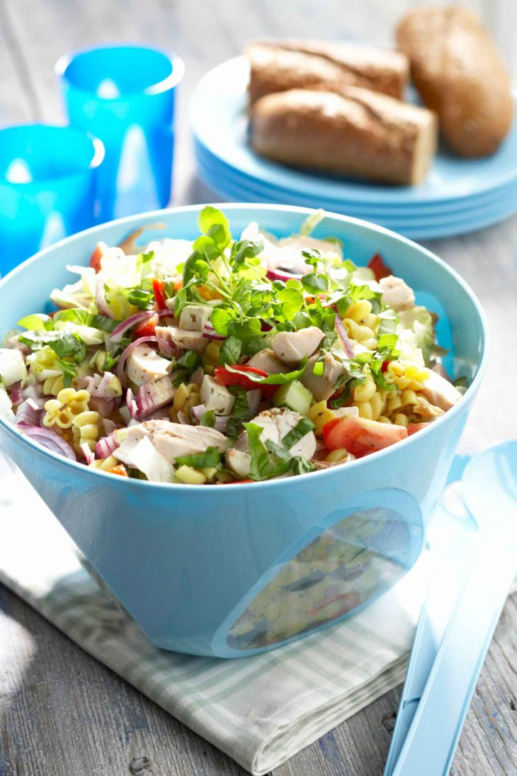 ruokaisa-pastasalaatti