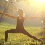 Jooga, taiji, pilates ja frisbeegolf ovat oivia kesälajeja, joita voi harrastaa ulkona.