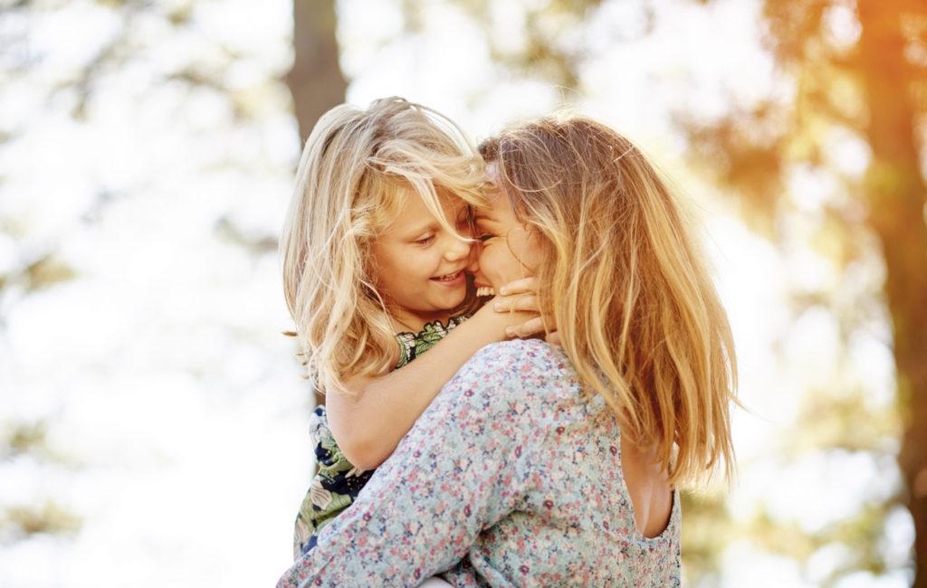 Kahdenkeskinen aika vanhemman kanssa on lapselle tärkeää.