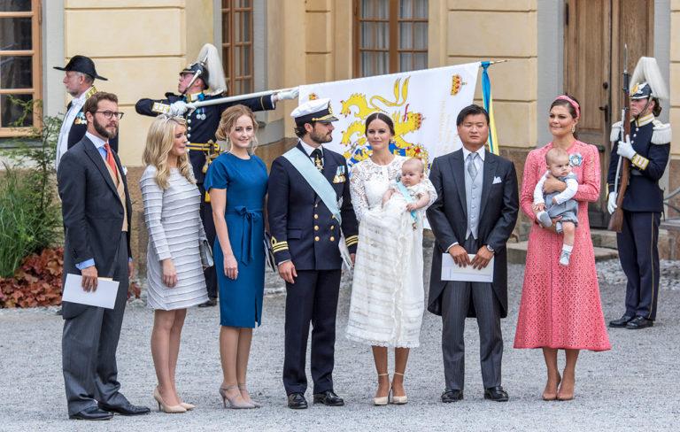 Prinssi Alexanderin ristiäiset – Katso kuvat juhlatyyleistä ja äänestä suosikkiasi!