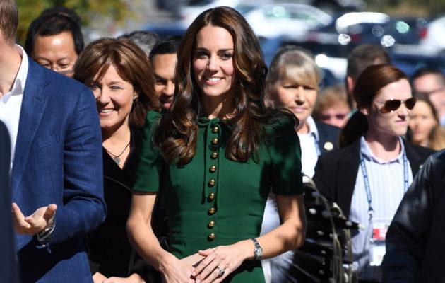 Dolce & Gabbanan vihreä mekko näytti hyvältä herttuatar Catherinen yllä.