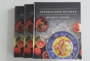 Satokauden ruokaa -kirja