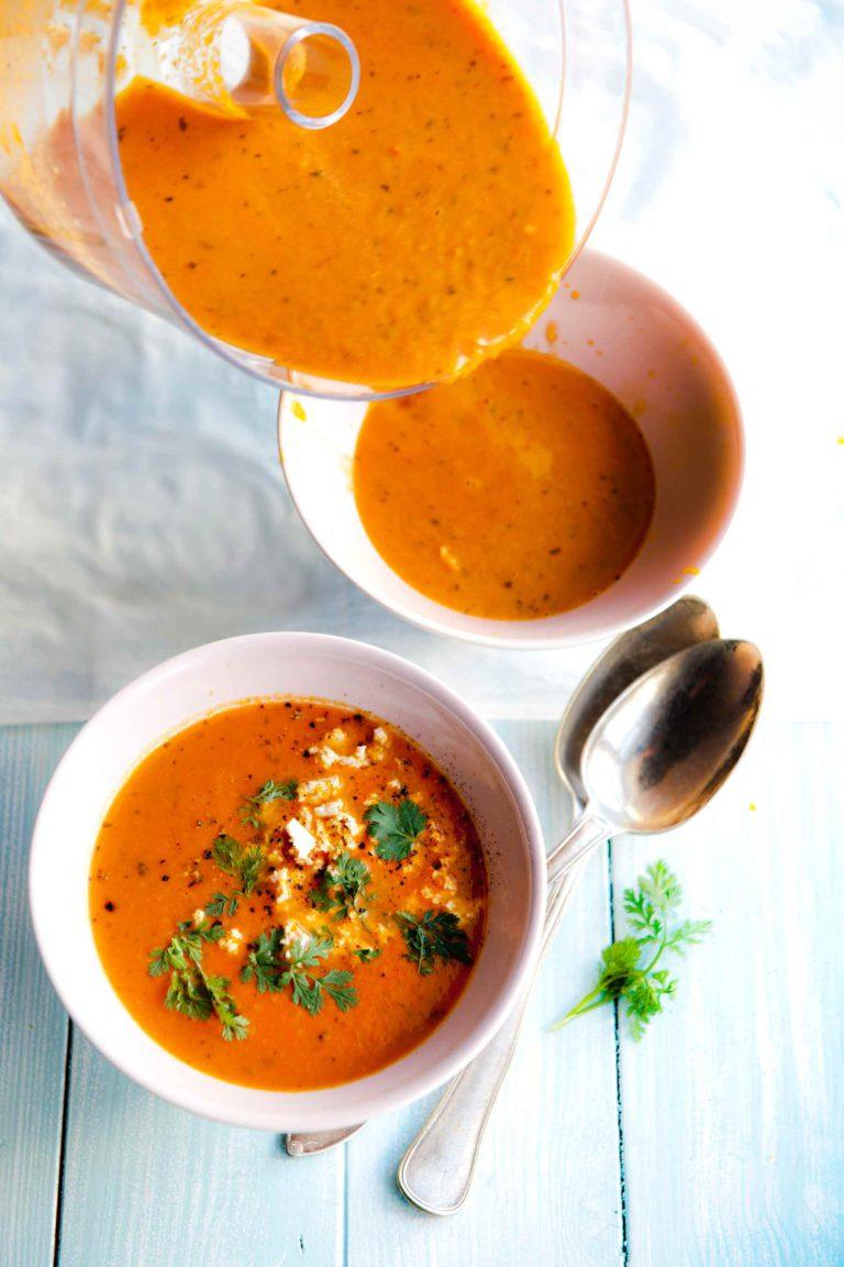 tomaattikeitto intialaisittain