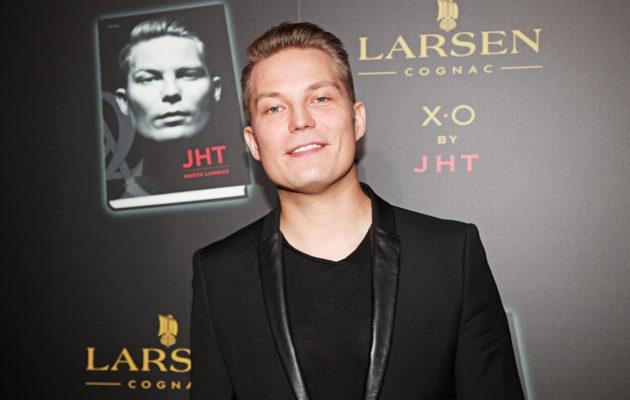 Cheek eli Jare Henrik Tiihonen ei osaa kertoa, miksi hänen on niin vaikea sitoutua tai löytää sellainen ihminen, johon hän haluaa sitoutua.