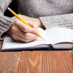 Päiväkirjan pitäminen voi olla hyvin terapeuttista.