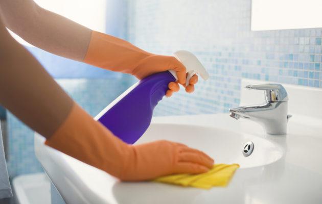 Etikka neutralisoi esimerkiksi viemärin hajua.