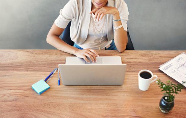 Kun keskityt töissä yhteen asiaan kerrallaan, työsi laatu ja oma hyvinvointisi paranee.
