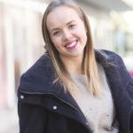 Sara Parikka on näytellyt Salatut elämät -sarjassa vuodesta 2007. Tällä hetkellä hän on hoitovapaalla ja kirjoittaa blogia anna.fi:ssä.