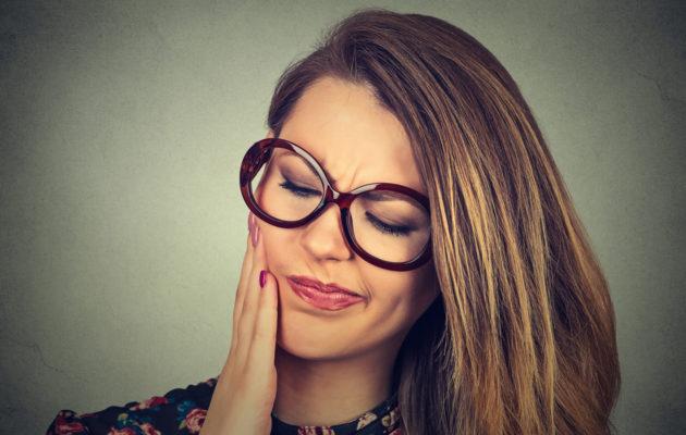 Naisilla aftoja esiintyy usein kuukautiskierron lopussa.