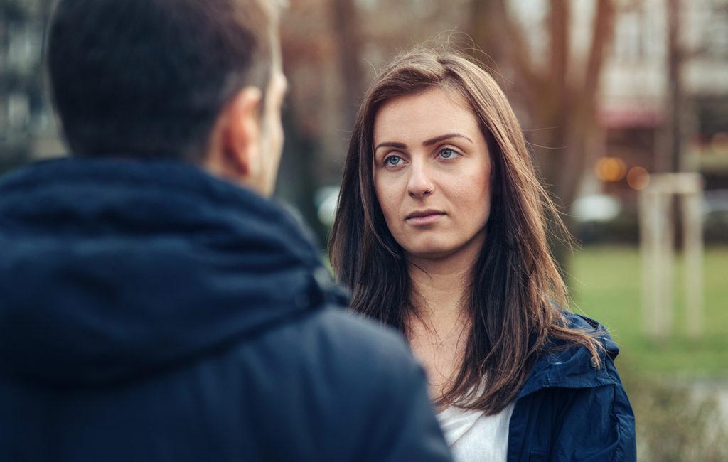 Tunneköyhän ihmisen puoliso saattaa jäädä hyvin yksin omien tunteidensa kanssa.