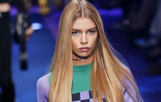 Lättänään hiustyyliin sopii luotisuora jakaus.