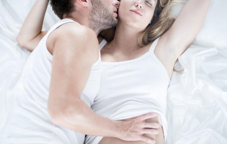 Estä ennenaikainen laukeaminen - näin miehestä tulee kestävämpi sängyssä