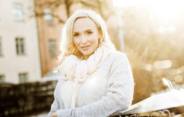Jutta Gustafsberg harrastaa kundaliinijoogaa.